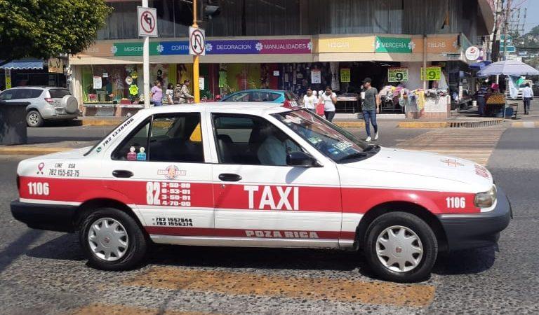 Recomienda a taxistas extremar medidas sanitarias