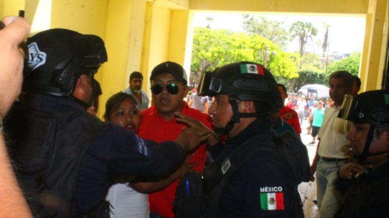 Violento desalojo de comerciantes en Papantla por la contingencia